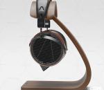 现代头戴式耳机