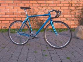 写实公路自行车C4D模型