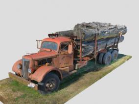 伐木车 卡车 伐木汽车 运输车 伐木场汽车 运输卡车 破旧卡车 木材车 运货车
