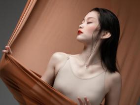 萝莉脸庞御姐身材 双修舞蹈生美少女/性感/气质/JK 作者:yoly莜莉